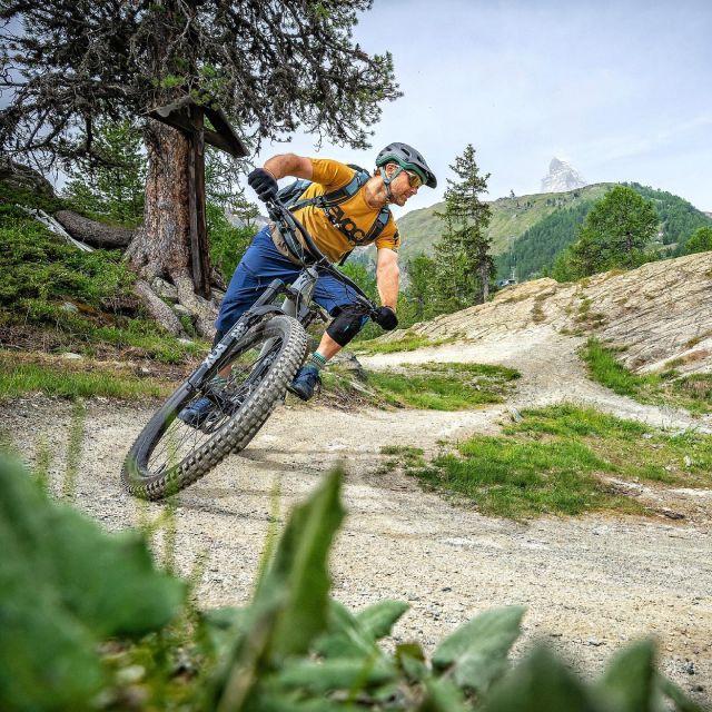 Specialized Bike Testival No.1 #alps #mountains #swissalps #swissmountains #switzerland #valais #valaiswallis #zermatt #zermattmatterhorn #mountainbike #mtbswitzerland #mtbenduro #enduromtb #emtb #specialized #specializedtestdays #swisscycling #swisscyclingguide #ridewithguide #marczauggbike #wearebikebox #lifebehindbars #june2021 #ridewithstyle