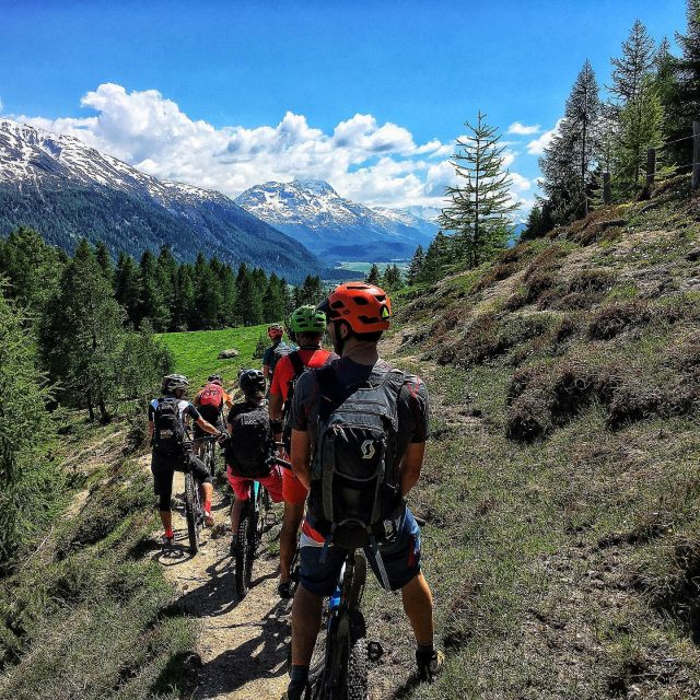 swiss epic preride 🚴🏻♂️💨 #swissalps #swissepic #mtb #mountainbike #race #swisscycling #reko #lenzerheide #graubuenden #ridewithguide #enduromtb #mtbenduro #switzerland #lifebehindbars #engadin #june2019